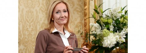 JK Rowling accepts British Red Cross Humanity Award