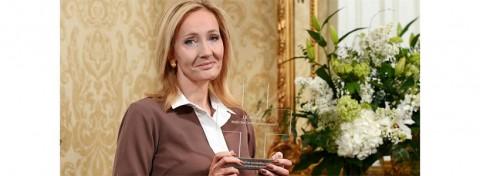 JK Rowling accepts British Red Cross Humanity Award