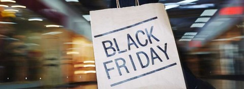 Black Friday shopping bag - Pressmaster on Shutterstock.com