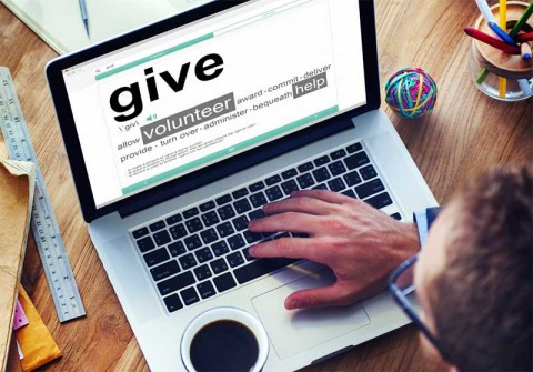 Digital giving - photo: Rawpixel.com on Shutterstock.com