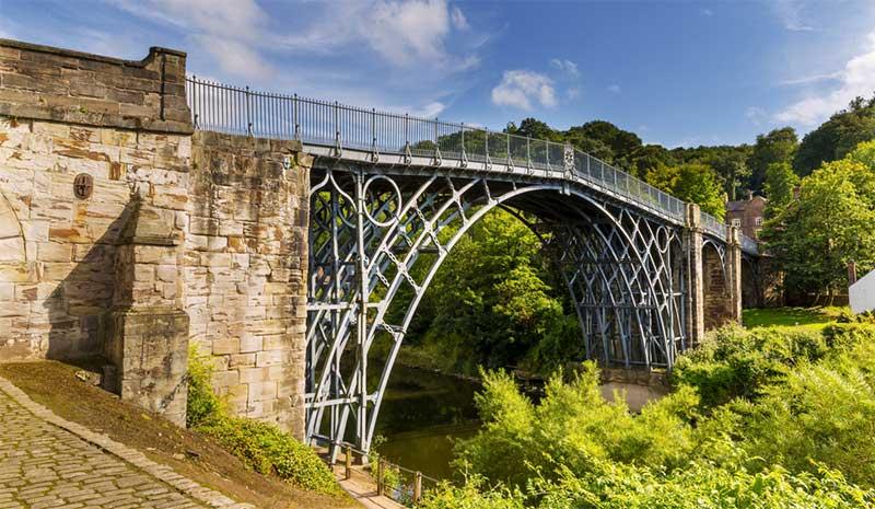 Ironbridge, Shropshire - photo: Paul Daniels on Shutterstock.com