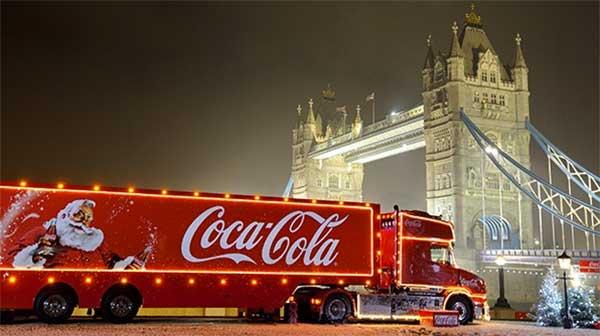Coca-Cola Christmas truck outside London Bridge