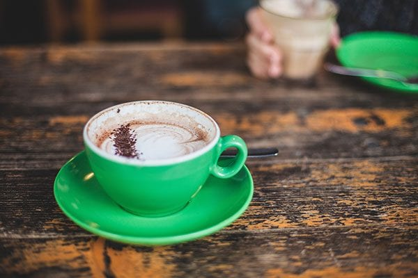 Discussion over two cups of coffee - photo: Unsplash.com