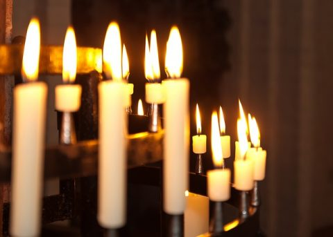 candles church