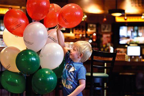 Frankie & Benny's balloons