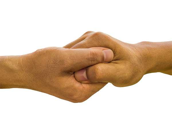 Helping hands - photo: Pixabay.com