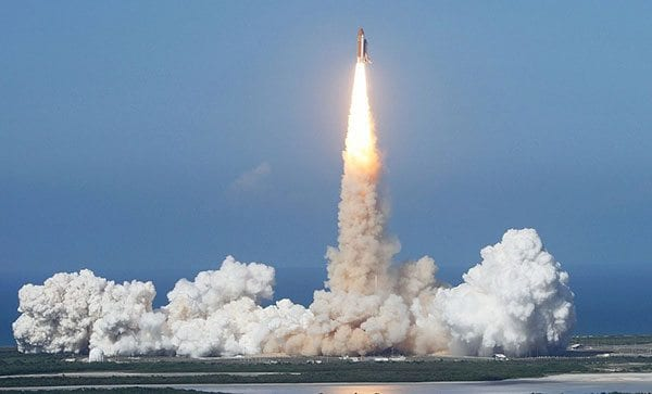 Discovery space shuttle takes off - photo: Pixabay.com
