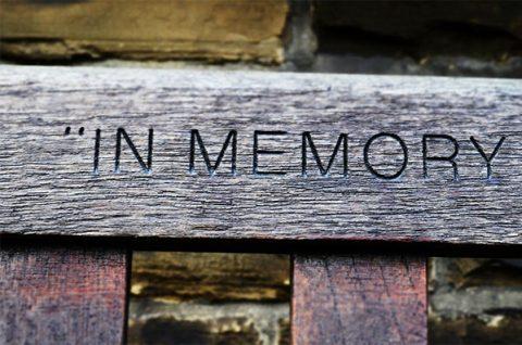 In memory - park bench. Photo: Pixabay