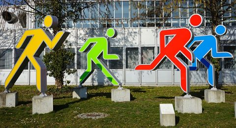 sprinters runners colors sculpture