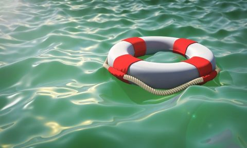 Lifebelt on water - photo: Pixabay