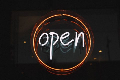 Open sign - photo: Unsplash