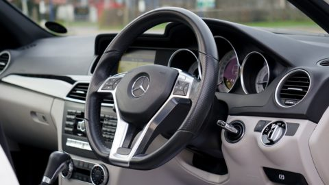Car steering wheel - photo: Pixabay