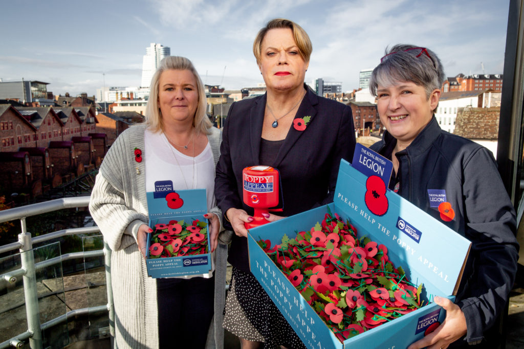 Eddie Izzard teams up with poppy collectors for Operation Poppy