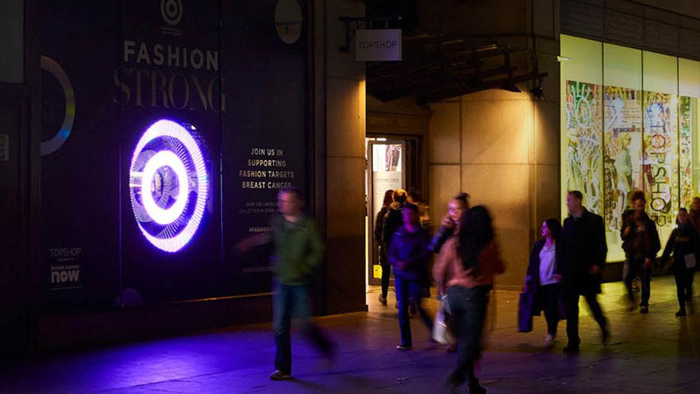 Delighting audiences for Top Shop window display