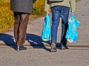 Almost 6 in 10 people want plastic bag levy to benefit green charities
