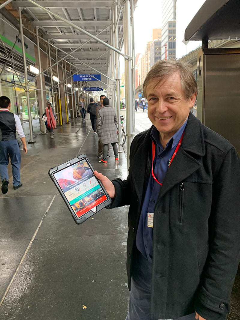 Bernard Ross conducting F2F fundraising experiments on the streets of New York