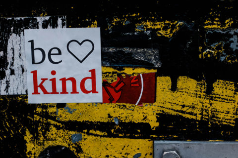 Be Kind sign - photo: Unsplash