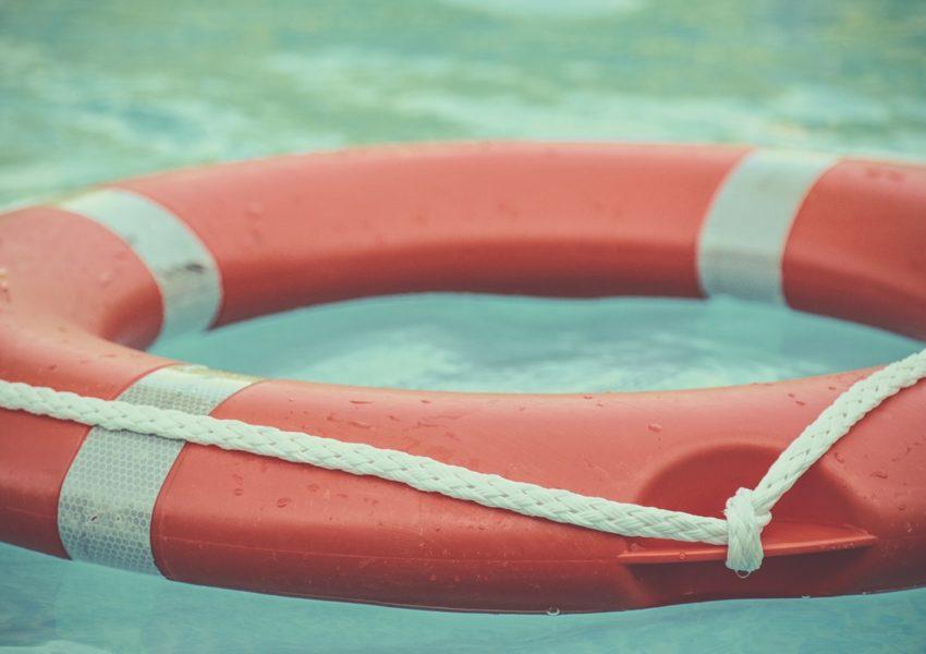 Life buoy - symbol of hope and help - photo: Unsplash