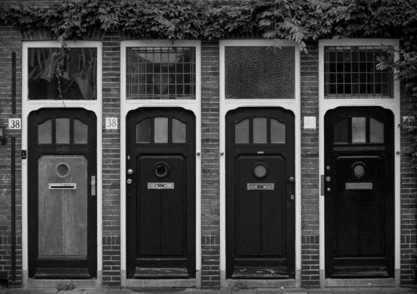 Front doors - Unsplash.com