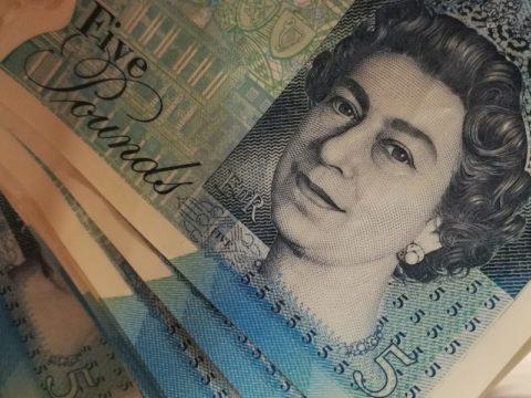£5 notes money