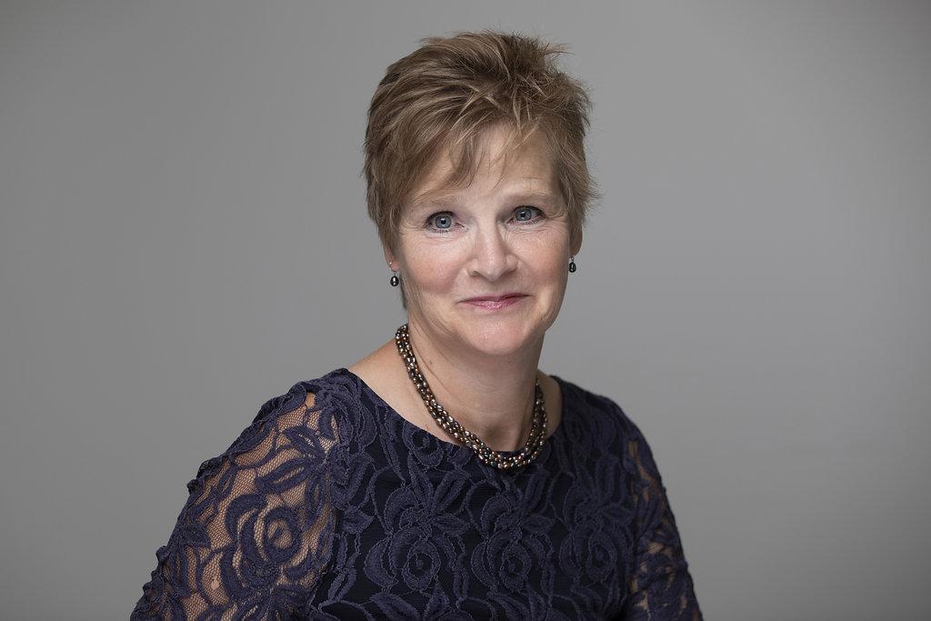 Helen Elliott