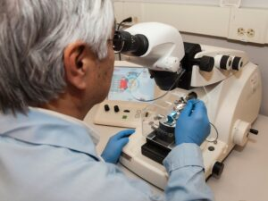 Cancer Research UK cuts research budget by half