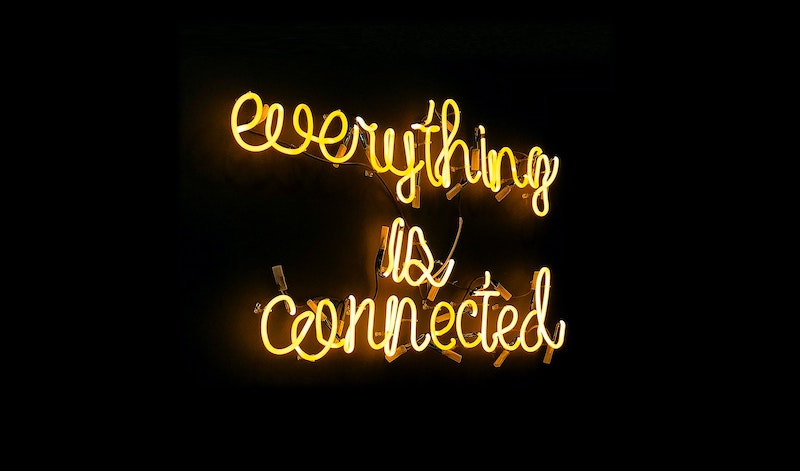 Everything is connected - neon sign - photo: Pexels.com