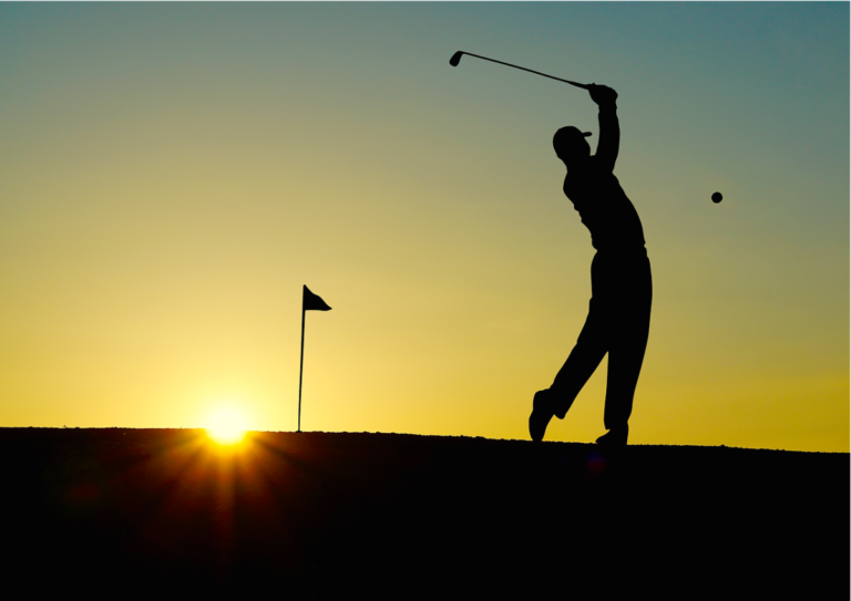 A man playing golf in the sunset. Photo: Pixabay